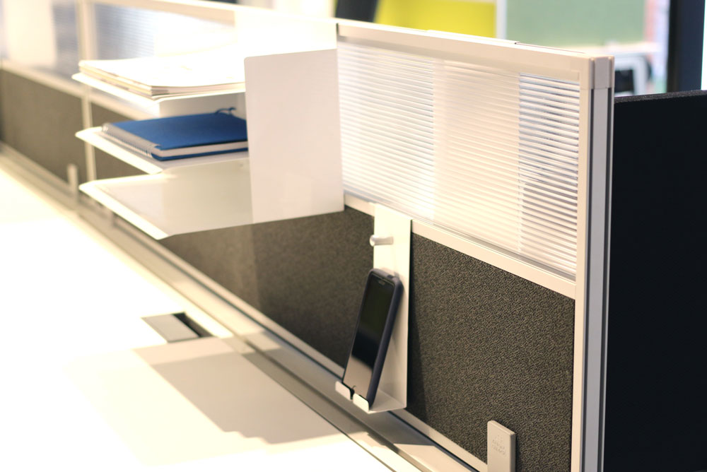 AngelShack - Accessories - Divider Screen - PARTLY UPHOLSTERED DIVIDER SCREEN